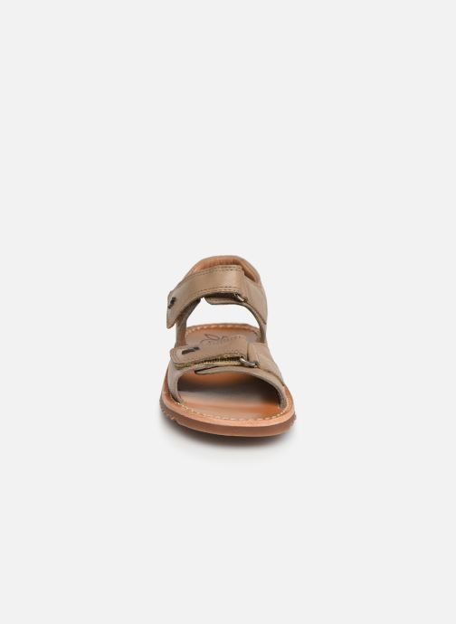 Sandales et nu-pieds Pom d Api Waff Easy Gris vue portées chaussures