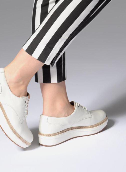 Snörade skor Clarks Teadale Rhea Vit bild från under