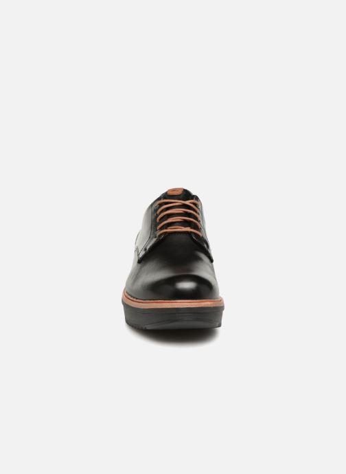 Snörade skor Clarks Teadale Rhea Svart bild av skorna på
