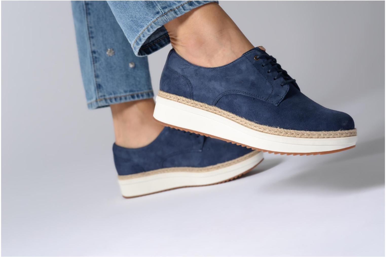 Chaussures à lacets Clarks Teadale Rhea Noir vue bas / vue portée sac