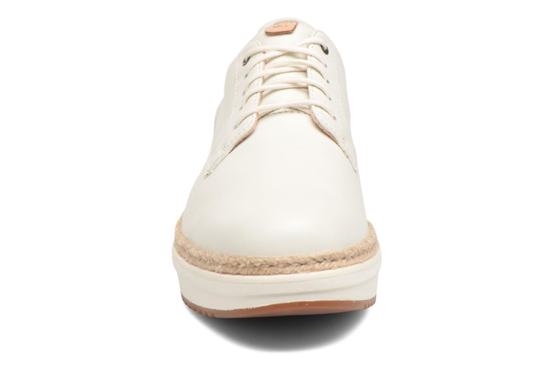 Chaussures à lacets Clarks Teadale Rhea Blanc vue portées chaussures