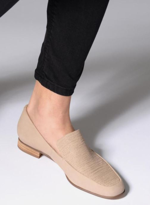Loafers Clarks Pure Sense Beige view from underneath / model view