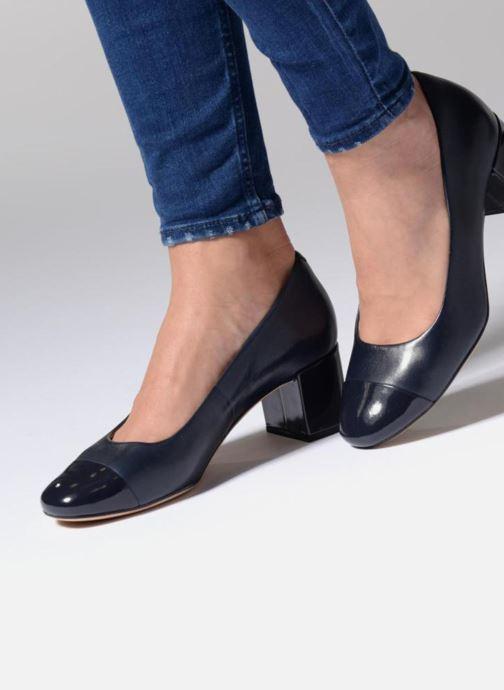 High heels Clarks Orabella Mia Beige view from underneath / model view