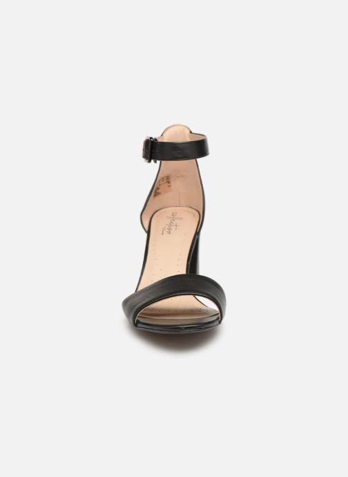 Zapatos de tacón Clarks DEVA MAE Negro vista del modelo