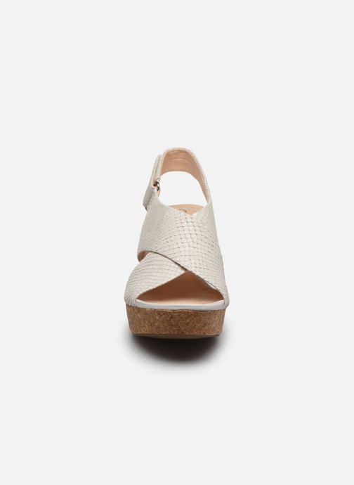 Sandales et nu-pieds Clarks Maritsa Lara Blanc vue portées chaussures
