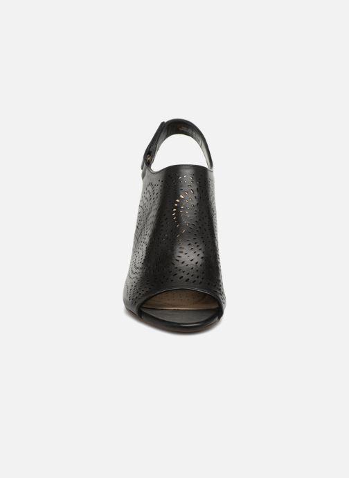 Sandales et nu-pieds Clarks Raven Dawn Noir vue portées chaussures
