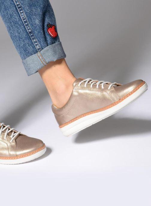 Chaussures à lacets Clarks Amberlee Rosa Blanc vue bas / vue portée sac