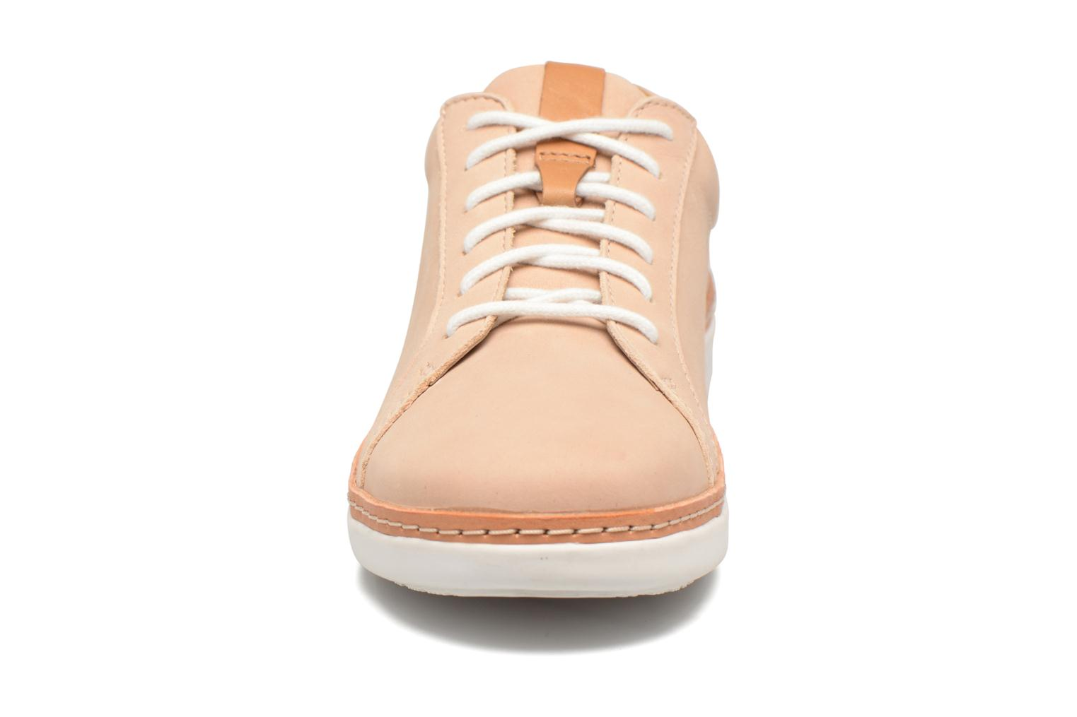 Chaussures à lacets Clarks Amberlee Rosa Beige vue portées chaussures