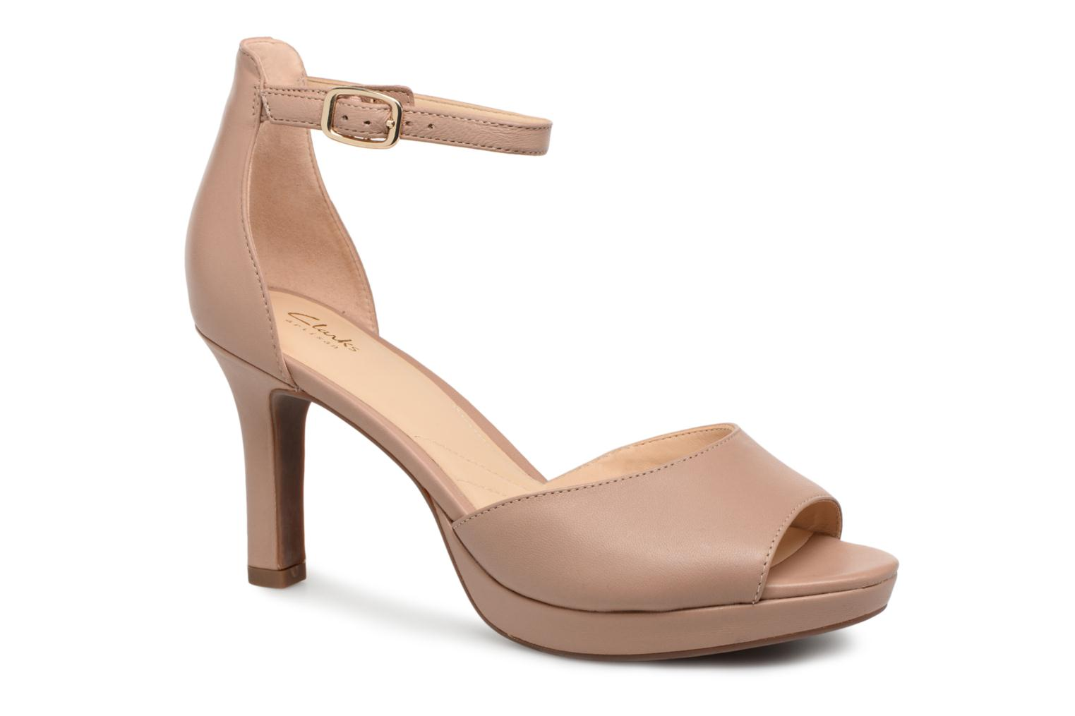 Sandals Clarks Mayra Dove Beige detailed view/ Pair view