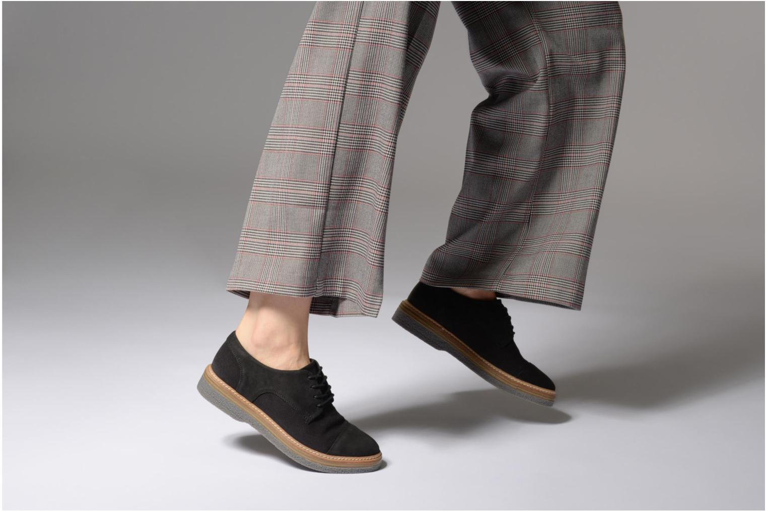 Lace-up shoes Clarks Zante Sienna Black view from underneath / model view