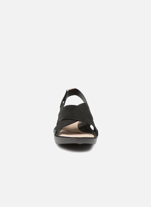 Sandales et nu-pieds Clarks Tri Chloe Noir vue portées chaussures