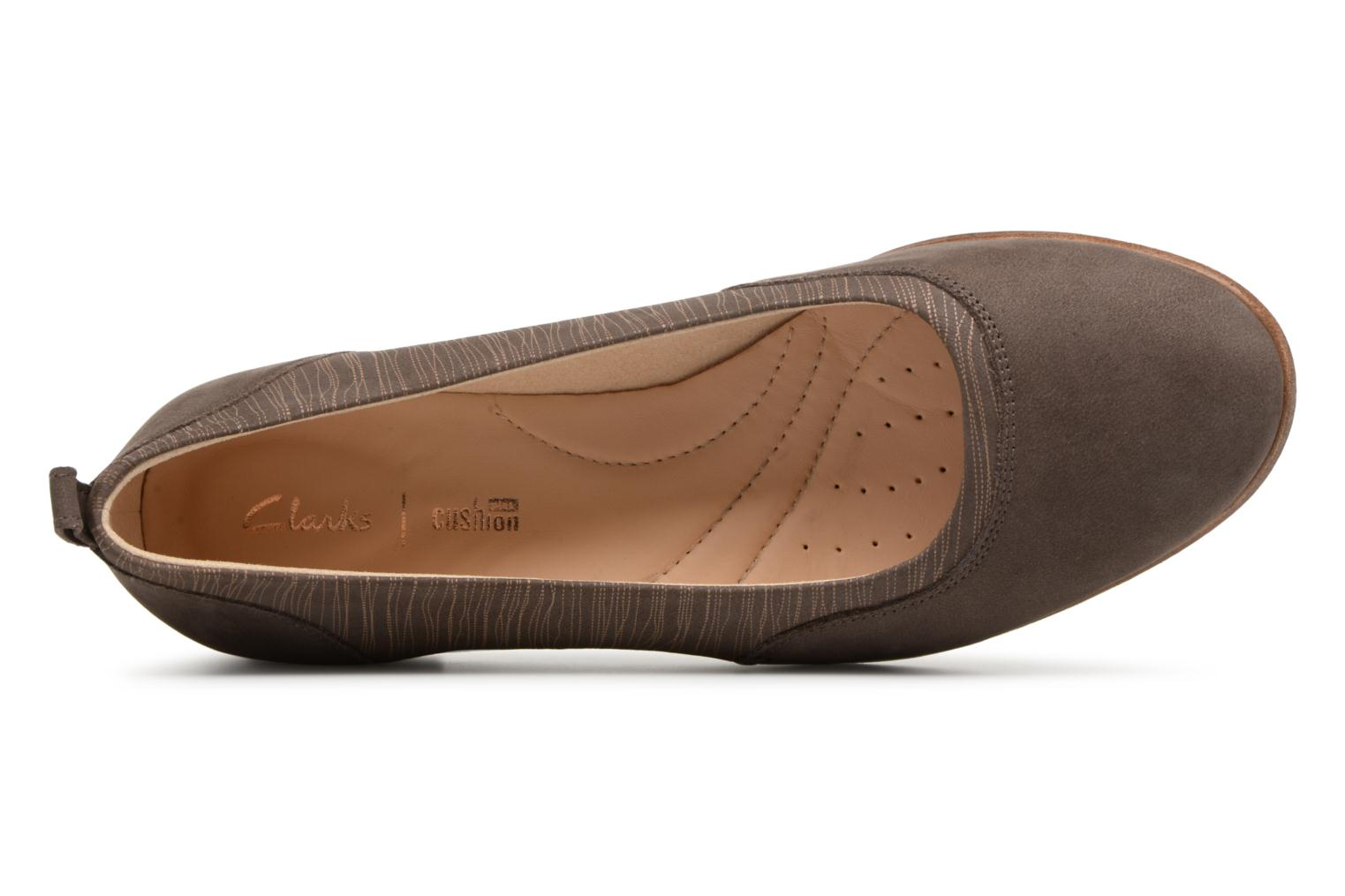Ballet pumps Clarks Alice Ivy Brown view from the left
