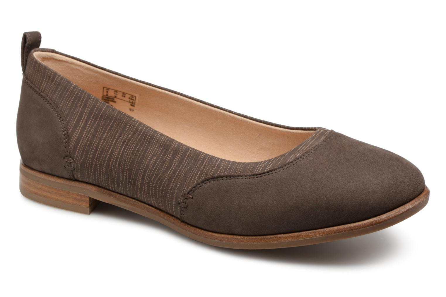Ballet pumps Clarks Alice Ivy Brown detailed view/ Pair view