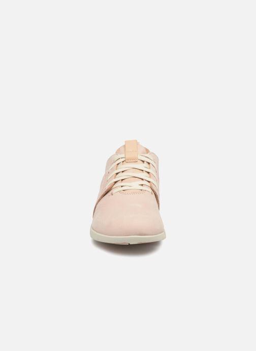 Baskets Clarks Tri Caitlin Beige vue portées chaussures