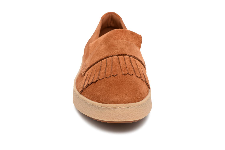 Mocassins Clarks Lillia Lottie Marron vue portées chaussures