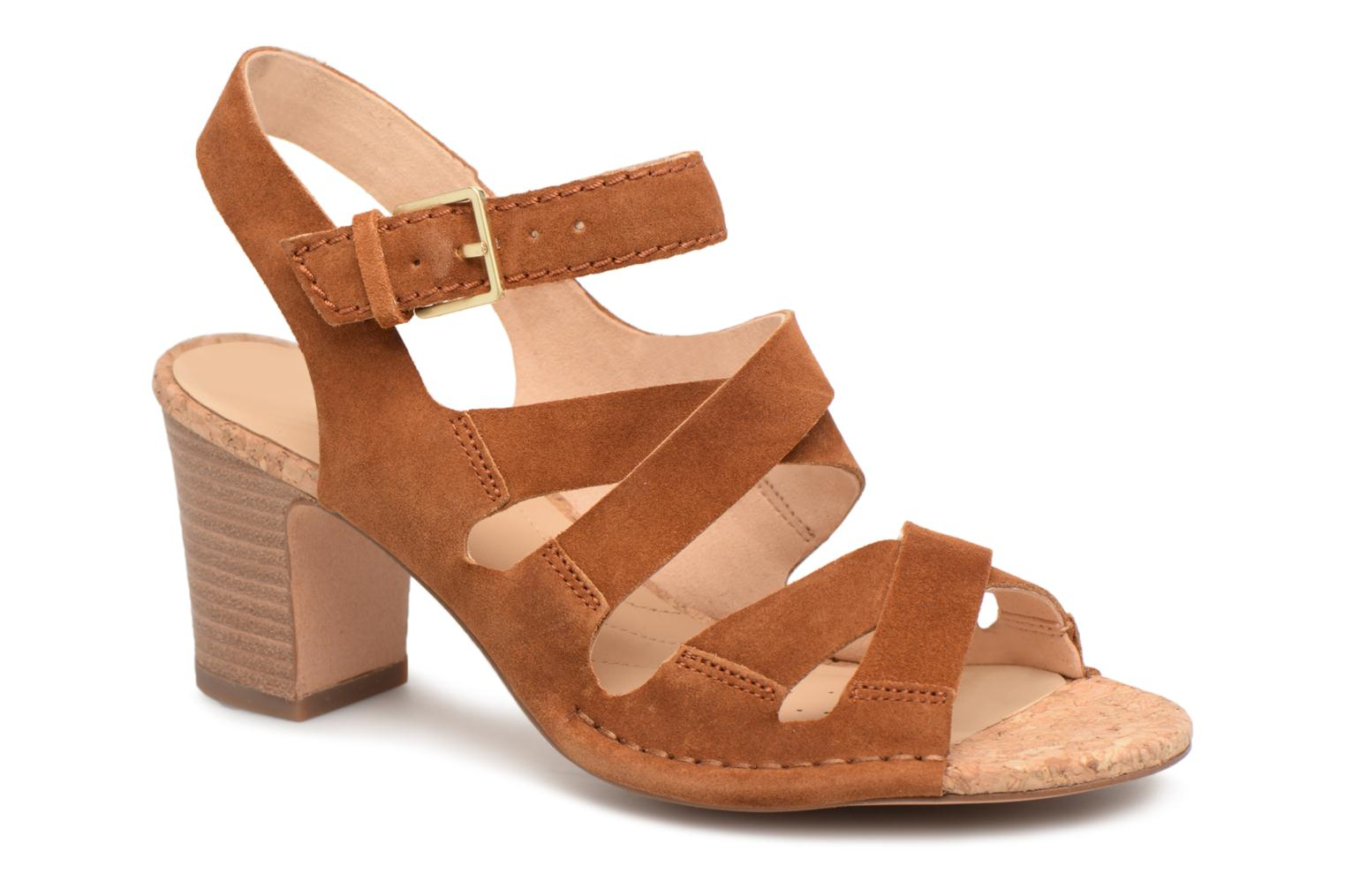 Sandals Clarks Spiced Ava Brown detailed view/ Pair view