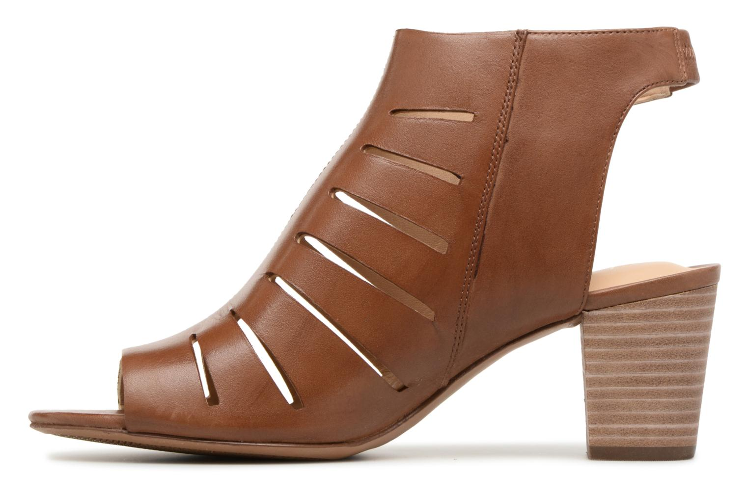 Sandals Clarks Deloria Ivy Brown front view