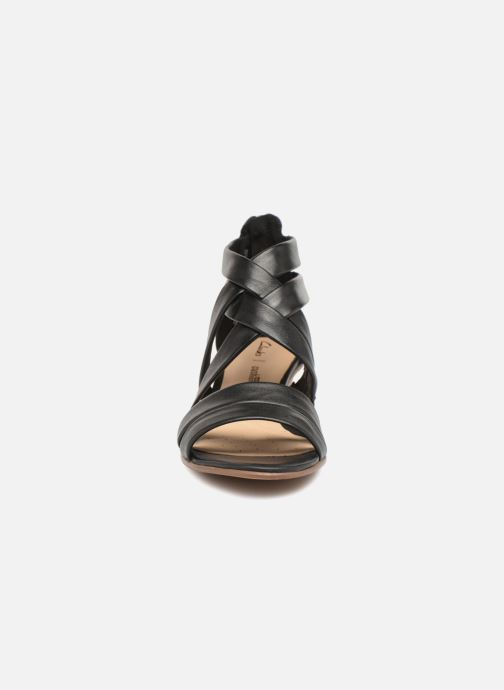 Sandaler Clarks Mena Silk Sort se skoene på
