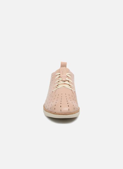 Chaussures à lacets Clarks Tri Etch Beige vue portées chaussures
