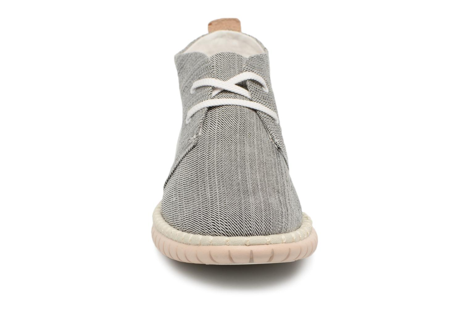 Lace-up shoes Clarks MZT Liberty Grey model view