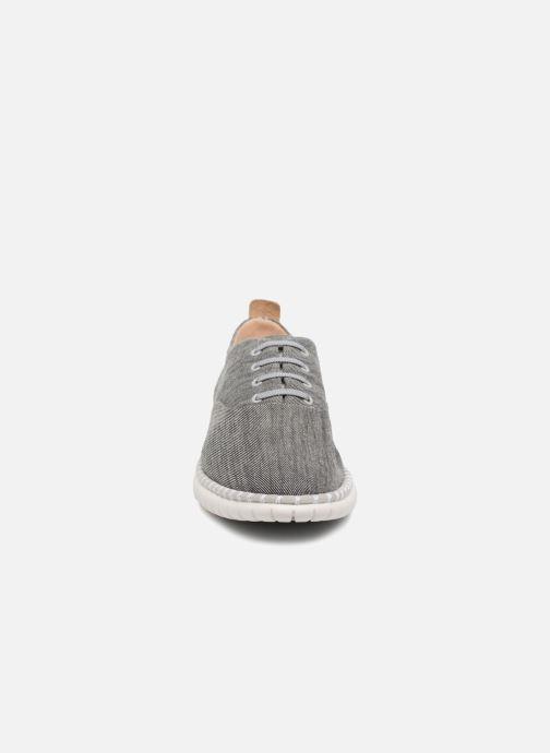 Chaussures à lacets Clarks MZT Blithe Bleu vue portées chaussures