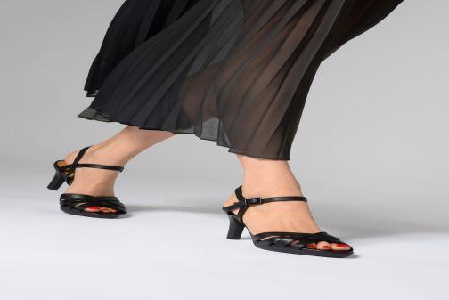 Sandales et nu-pieds Clarks Adriel wavy Noir vue bas / vue portée sac