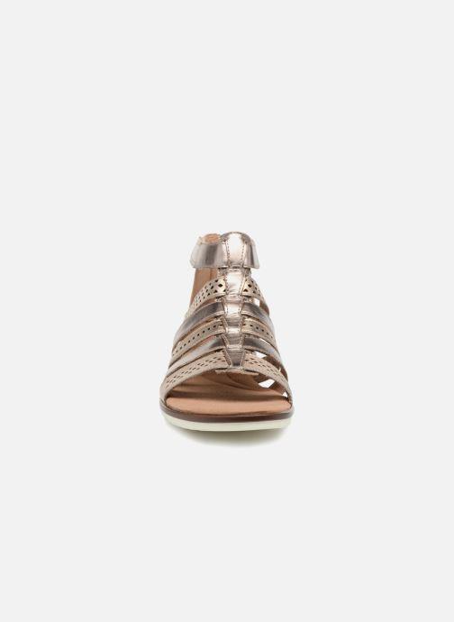Sandales et nu-pieds Clarks Kele lotus Or et bronze vue portées chaussures