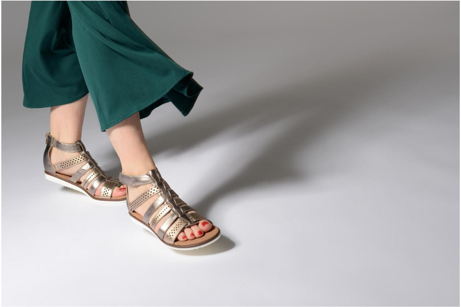 Sandals Clarks Kele lotus Bronze and Gold view from underneath / model view