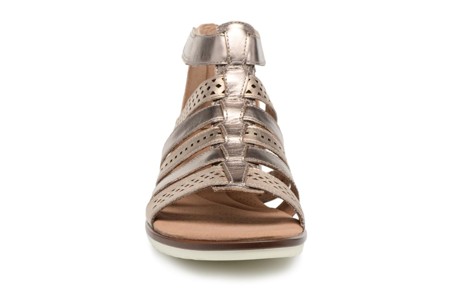 Sandals Clarks Kele lotus Bronze and Gold model view