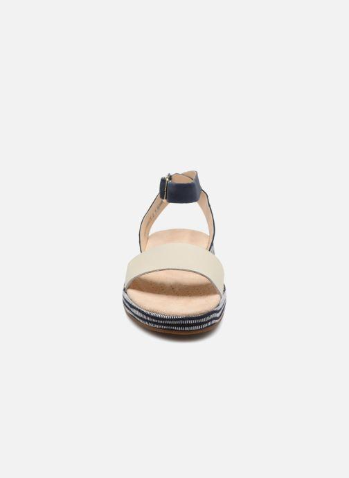 Sandales et nu-pieds Clarks Botanic Ivy Bleu vue portées chaussures