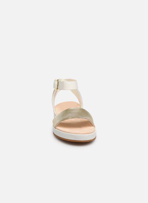 Sandales et nu-pieds Clarks Botanic Ivy Blanc vue portées chaussures