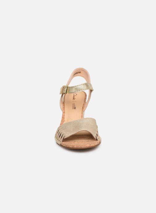 Sandales et nu-pieds Clarks Spiced Poppy Or et bronze vue portées chaussures