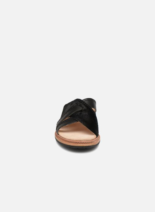 Mules et sabots Clarks Trace Craft Noir vue portées chaussures