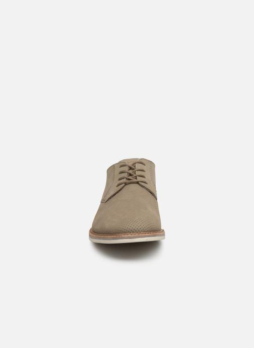 Zapatos con cordones Clarks Atticus Lace Verde vista del modelo