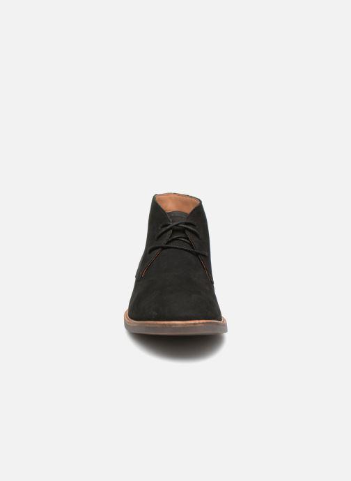 Bottines et boots Clarks Atticus Limit Noir vue portées chaussures