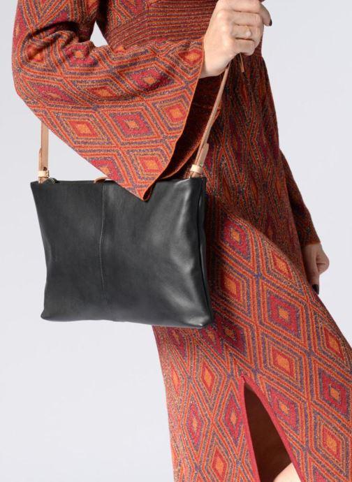 Handtaschen Clarks Tara Shine schwarz ansicht von unten / tasche getragen