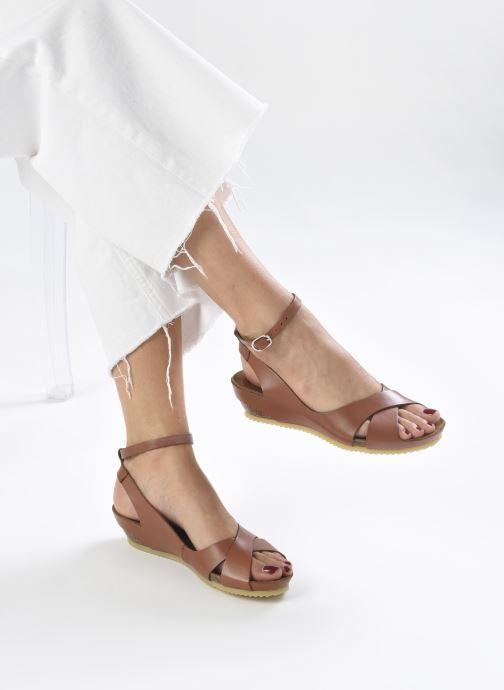 Sandales et nu-pieds Kickers Toki Marron vue bas / vue portée sac