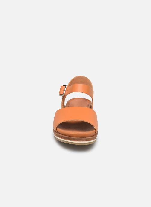 Sandales et nu-pieds Kickers Olimpi Orange vue portées chaussures
