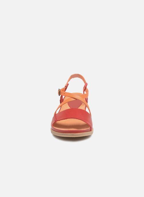 Sandales et nu-pieds Kickers Tahiti Femme Rouge vue portées chaussures