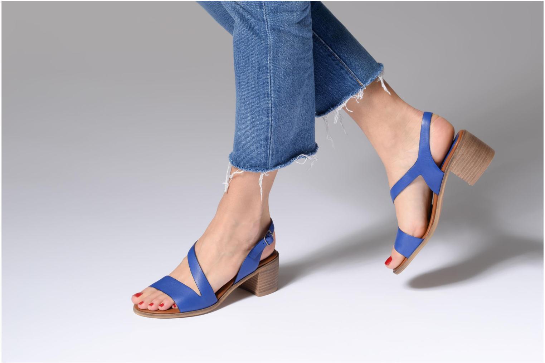 Sandales et nu-pieds Kickers Volubil Bleu vue bas / vue portée sac