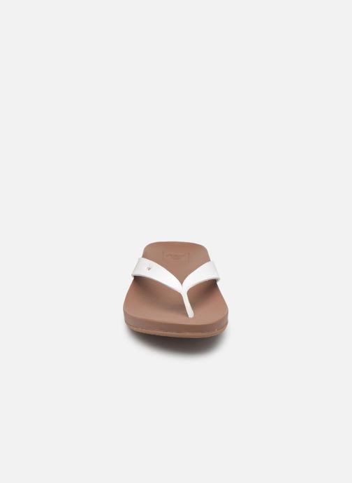 Tongs Reef CUSHION BOUNCE COURT Blanc vue portées chaussures