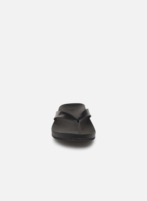 Tongs Reef CUSHION BOUNCE COURT Noir vue portées chaussures