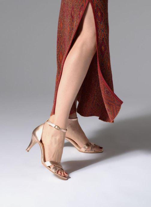 Sandalen Georgia Rose Ecrin gold/bronze ansicht von unten / tasche getragen