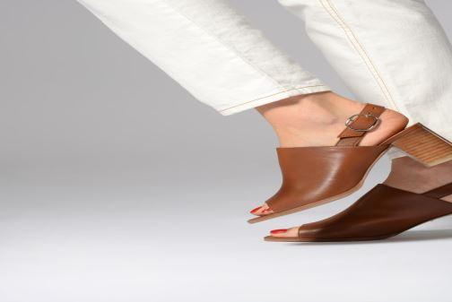 Sandales et nu-pieds Georgia Rose Ezabia Marron vue bas / vue portée sac
