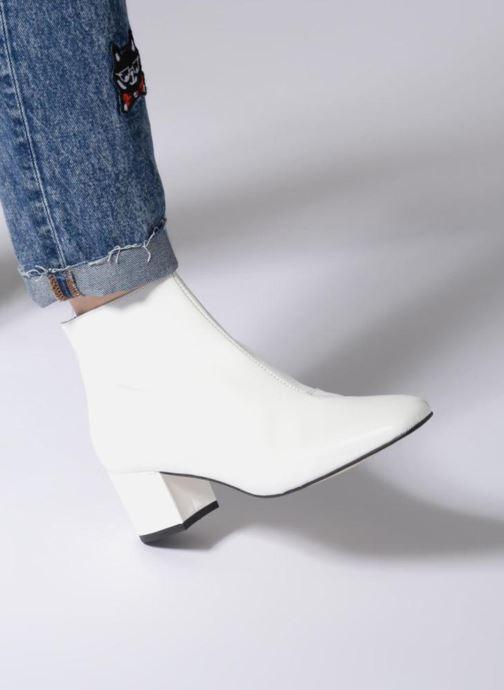 Bottines et boots Georgia Rose Seventies Blanc vue bas / vue portée sac