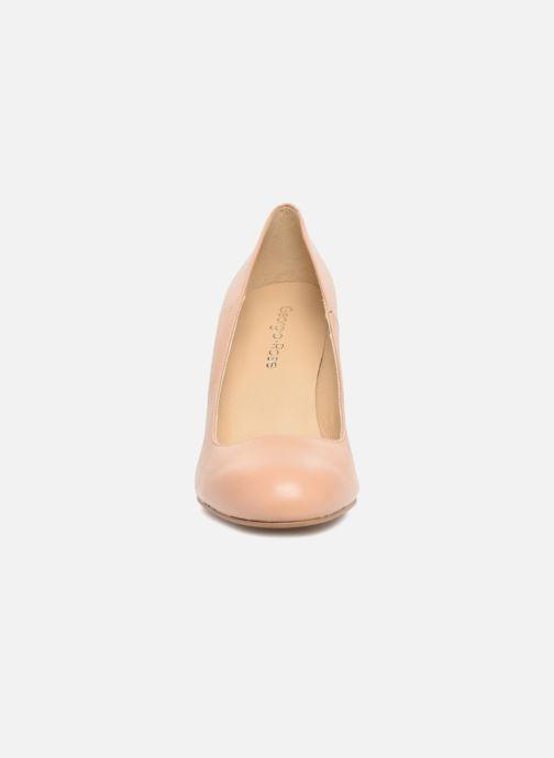 Zapatos de tacón Georgia Rose Selim Beige vista del modelo