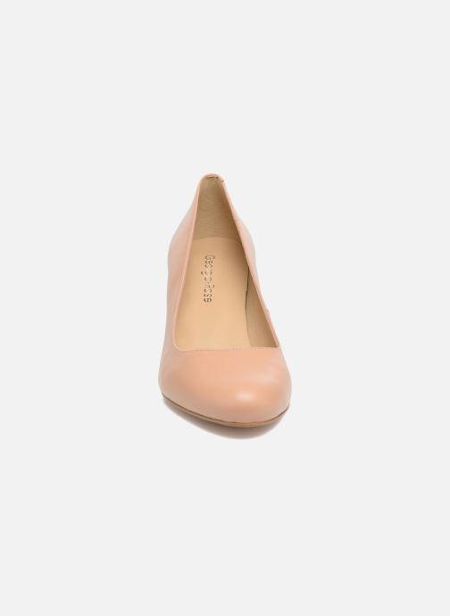 Zapatos de tacón Georgia Rose Sivane Beige vista del modelo