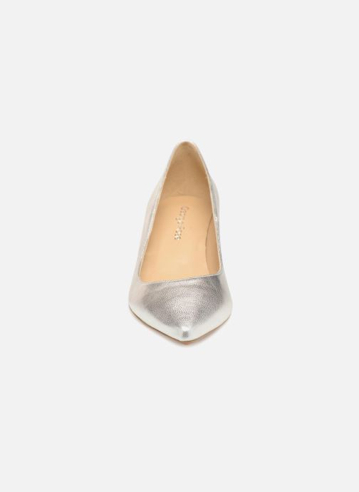Zapatos de tacón Georgia Rose Svelta Plateado vista del modelo