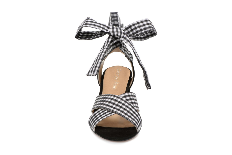 Sandales et nu-pieds Georgia Rose Savichy Noir vue portées chaussures