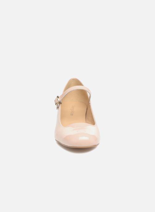 Zapatos de tacón Georgia Rose Socute Beige vista del modelo